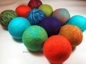Wool dryer balls by CleanSypria on Etsy